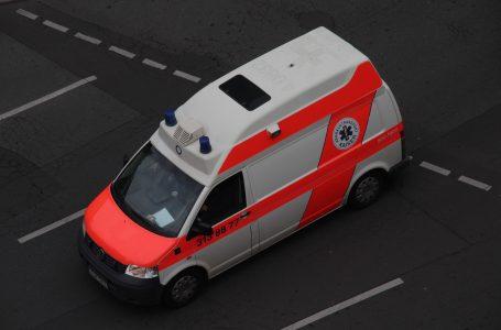 Kolejka karetek czeka przed szpitalem, oddział covidowy cały zajęty